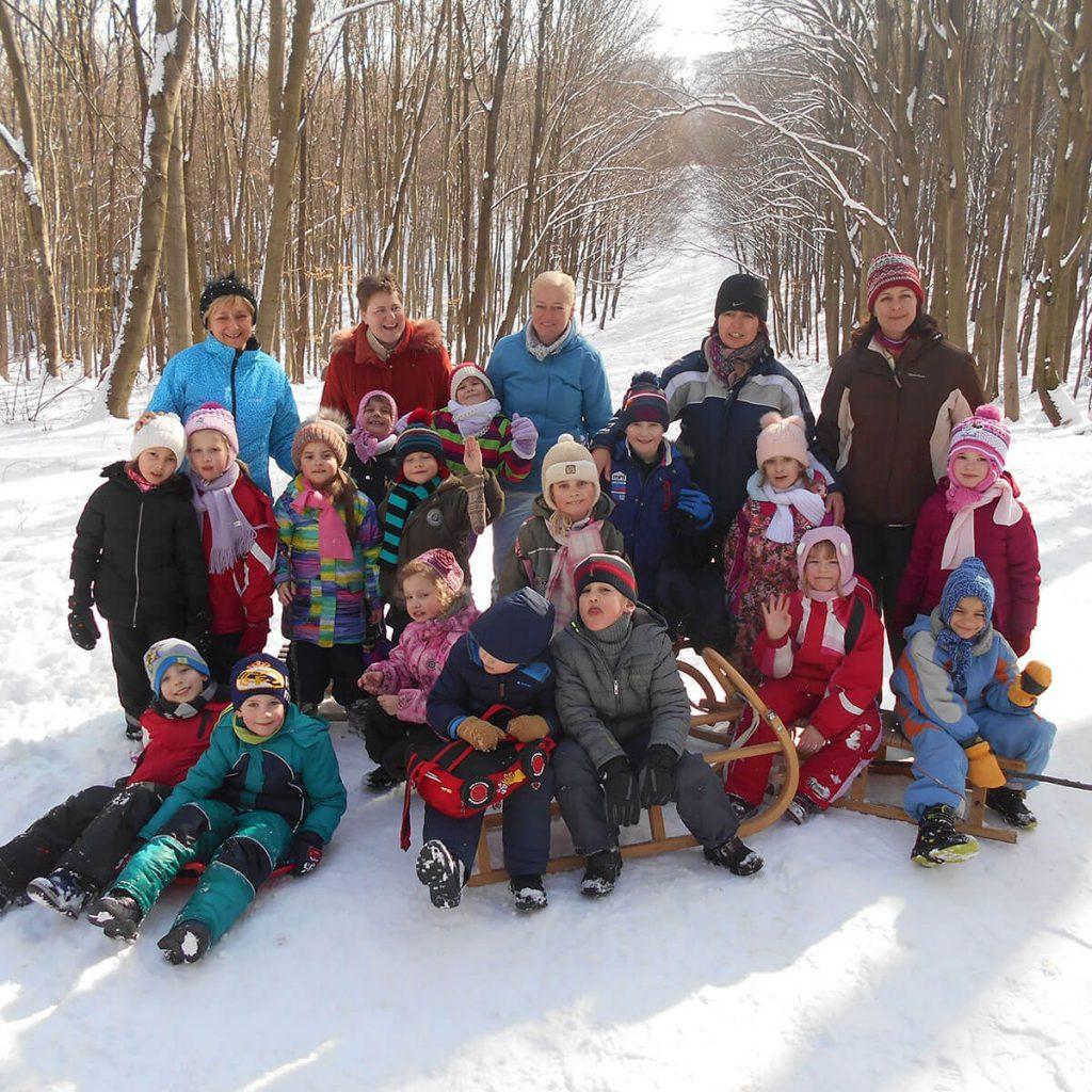 Február 19-én hétfőn szánkózni voltunk a gyerekekkel. - Örömhír Óvoda Veszprém